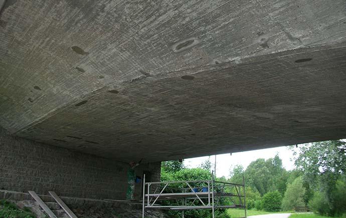 Beton schützen – säure-, öl- und chemikalienfeste Beschichtungen, reflektierende Tunnel-Beschichtungen, Fundamentabdichtungen und Antigraffiti-Schutzbehandlungen
